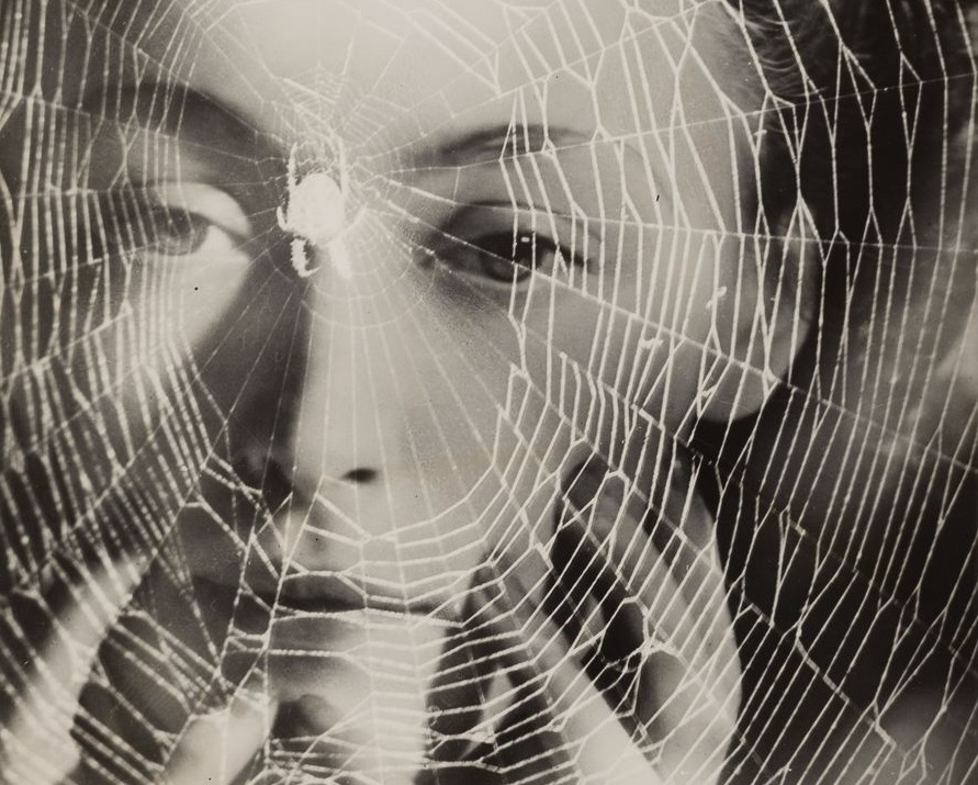 Dora Maar, The years lie in wait for you c. 1935 © ADAGP, Paris and DACS, London 2019, dettaglio