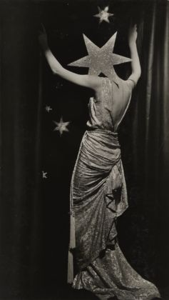 Dora Maar, Untitled (Fashion photograph) c. 1935, Collection Therond © ADAGP, Paris and DACS, London 2019