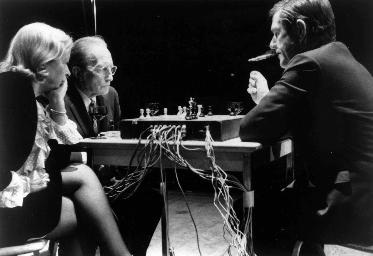 John Cage & Marcel Duchamp, Reunion (Shigeko Kubota, 1968). Courtesy John Cage Trust & Shigeko Kubota Video Art Foundation