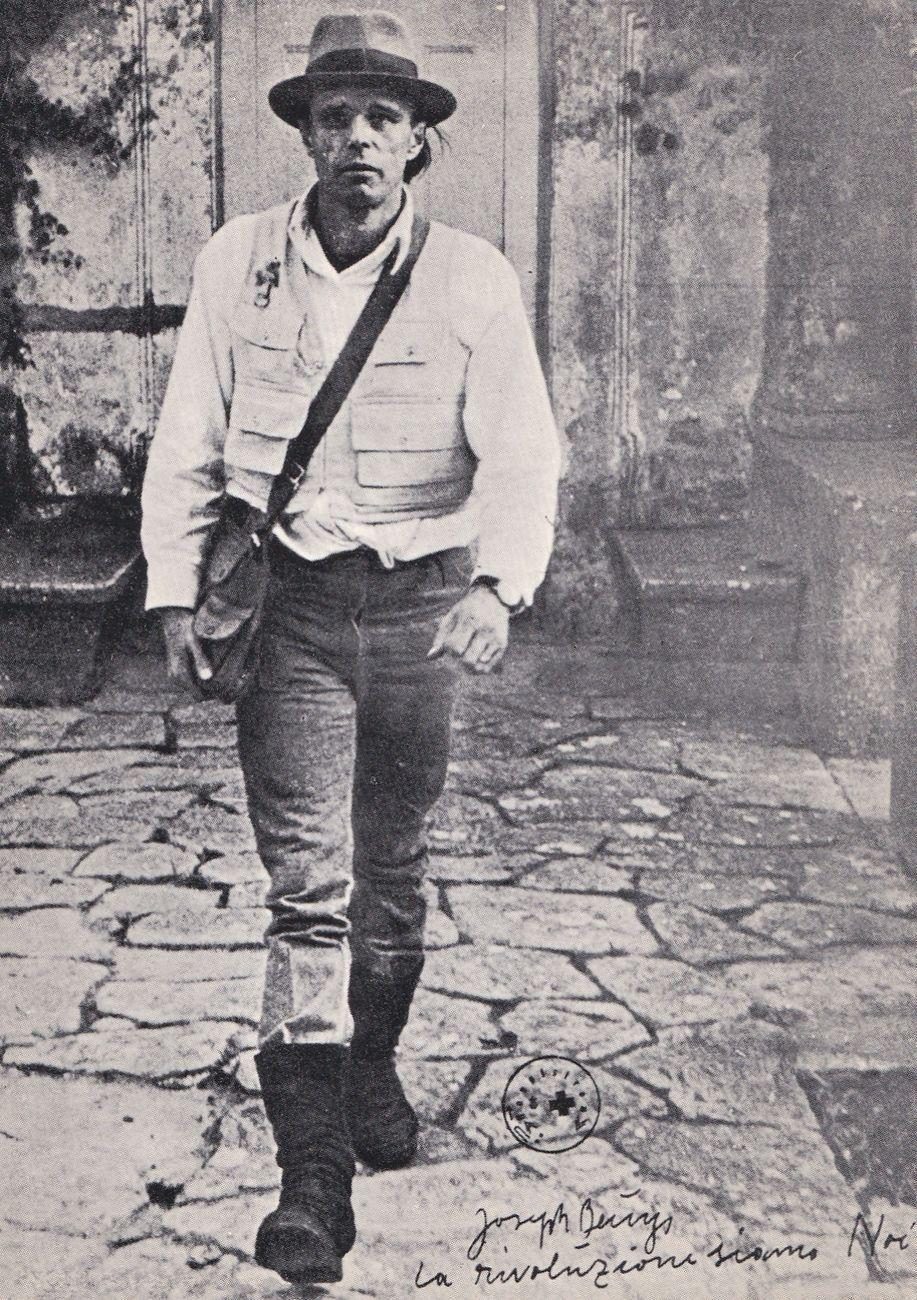 Joseph Beuys, La rivoluzione siamo noi, cartolina