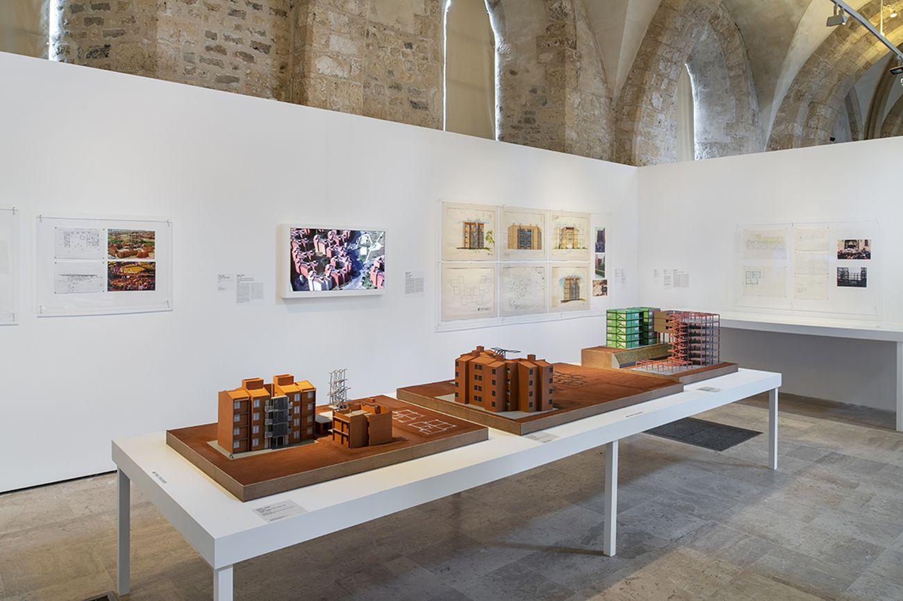 La Biennale d'Architecture d'Orléans #2, nos années de solitude. Exhibition Quand les attitudes deviennent résistance. Exhibition view at Collégiale Saint-Pierre-le-Puellier. Usina_Ctah. Photo Martin Argyroglo