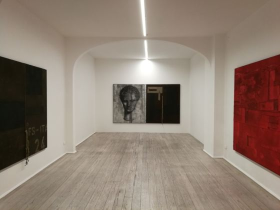 Luca Pignatelli, In un luogo dove gli opposti stanno, installation view at Galleria Poggiali, Firenze 2019. Photo Marco Ferri