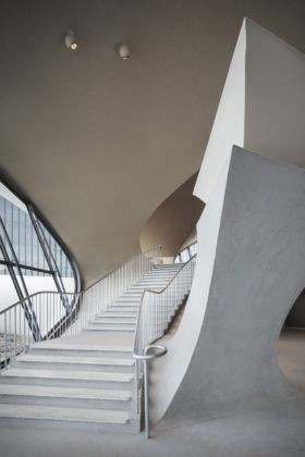 The staircase leading from The Sunken Lounge to the Lisbon Lounge area. Photo © Christopher Payne - Esto