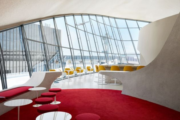 Visitors to The Sunken Lounge and the Paris Café by Jean Georges can watch planes take off as they sip cocktails. Photo credits TWA Hotel – David Mitchell