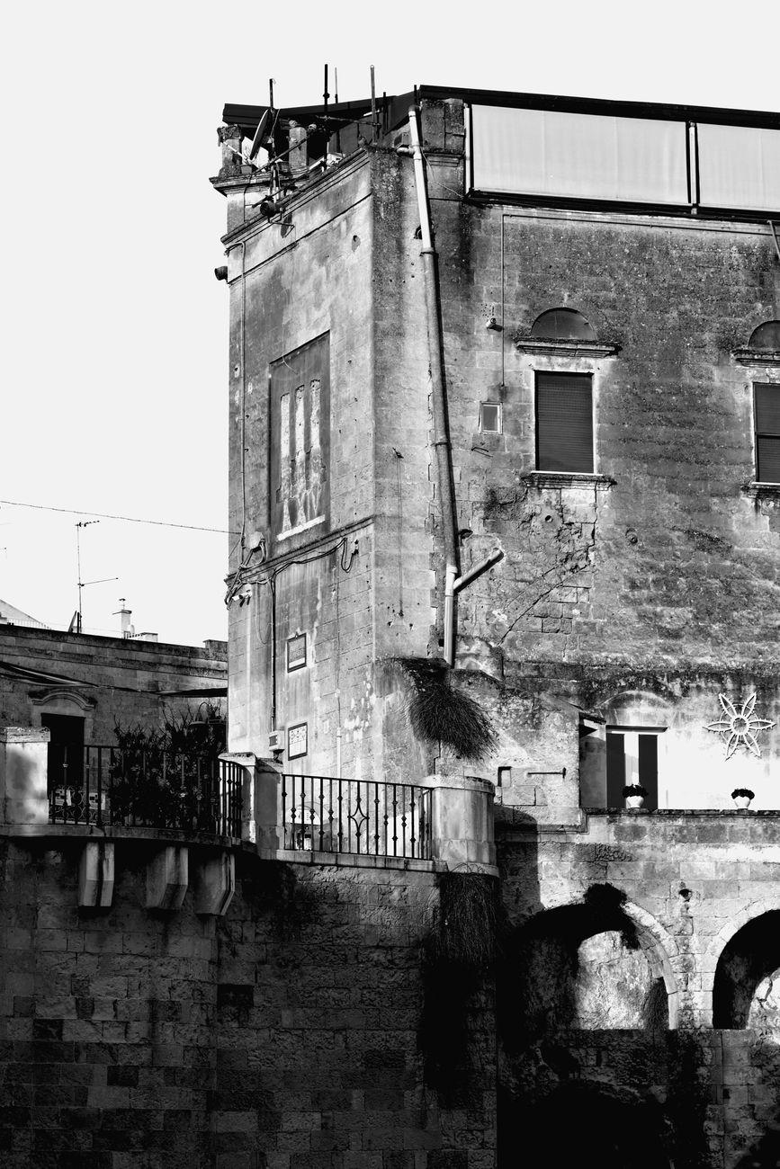 Modestino Tozzi, Affaccio Piazzetta Pascoli, Matera, 2019