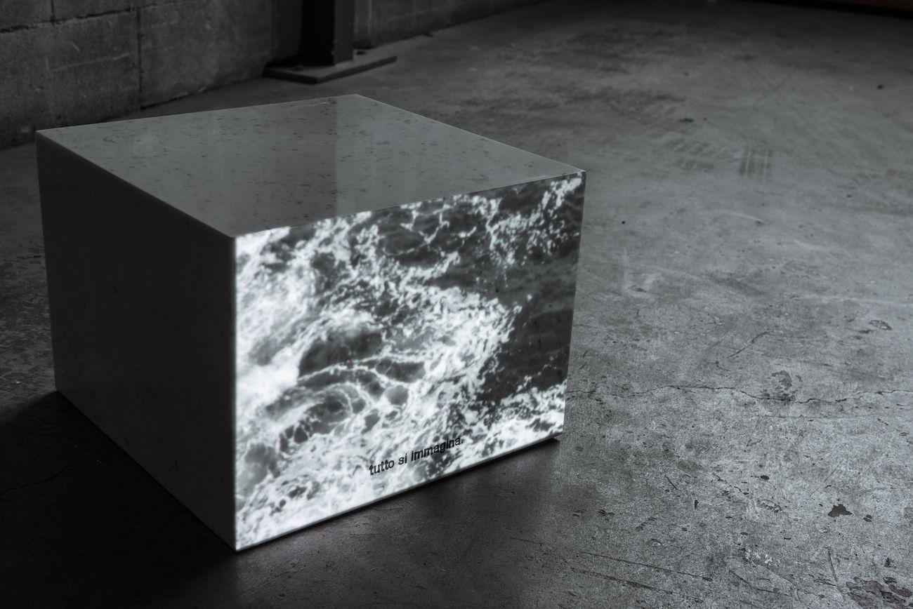 Gaia De Megni, Nulla si sa, tutto si immagina, 2018, incisioni su cubi in marmo, 38x48x48 cm