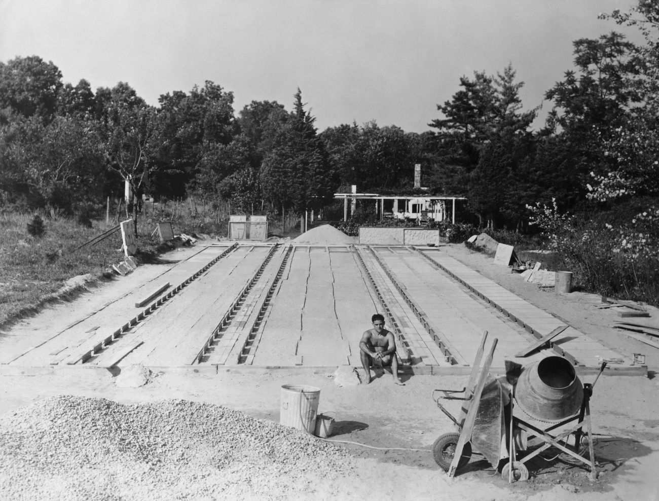 Sandcasting Field. Courtesy of the Nivola family archive. Photographer and date unknown