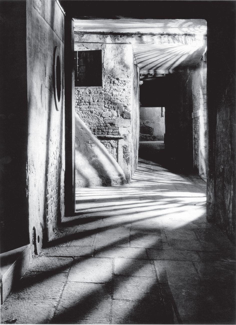 Ferruccio Leiss, Il sottoportico, 1950, courtesy Fondazione 3M