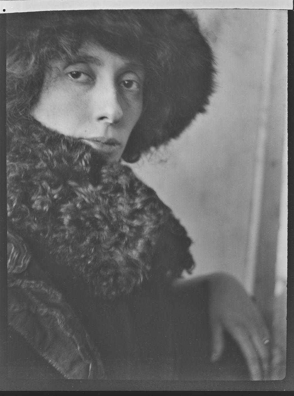 Giannetto Bisi, Ritratto di Adriana Bisi Fabbri (Maschera d'impressione), 1911 ca. Archivio privato