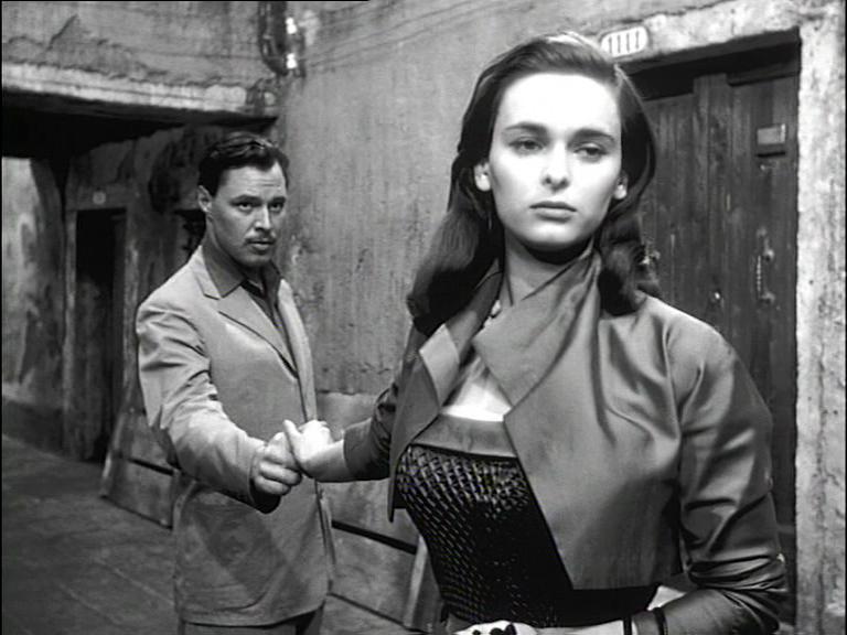 Lucia Bosè in Signora senza camelie 1953 Antonioni