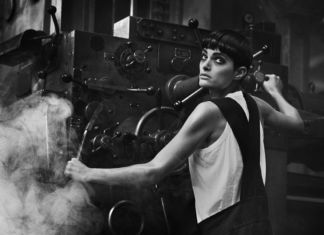 Peter Lindbergh, Lynne Koester, Paris 1984 © Peter Lindbergh. Courtesy Peter Lindbergh Foundation, Paris