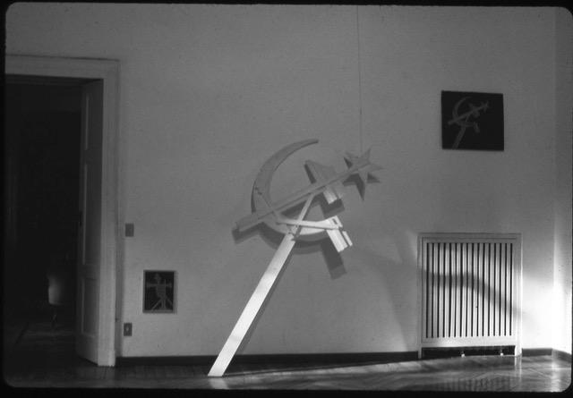Falce e matello, installation view at Galleria Milano, 1973, photo Carla Pellegrini. Courtesy Galleria Milano