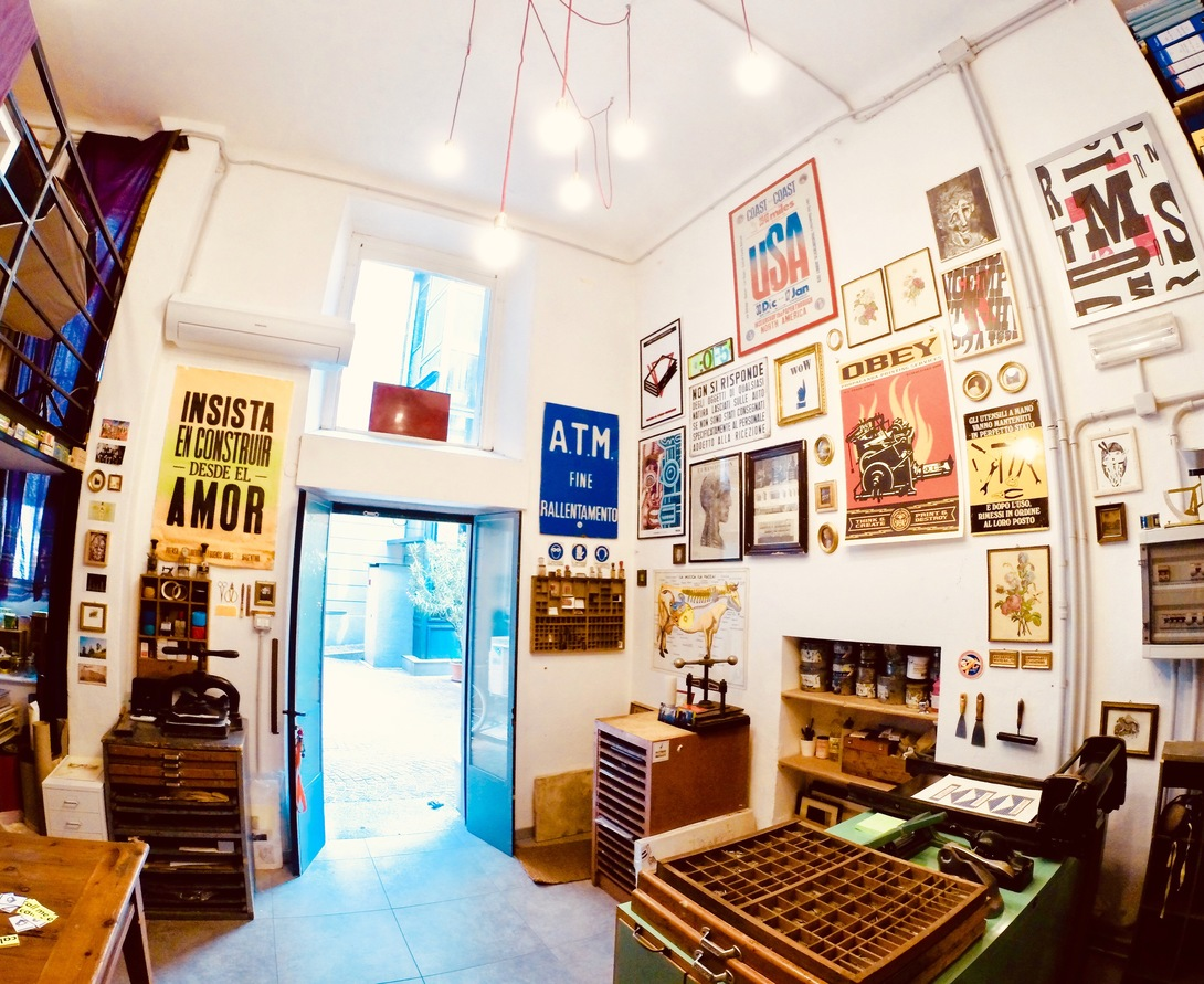 Il laboratorio di Libri Finti Clandestini a Milano