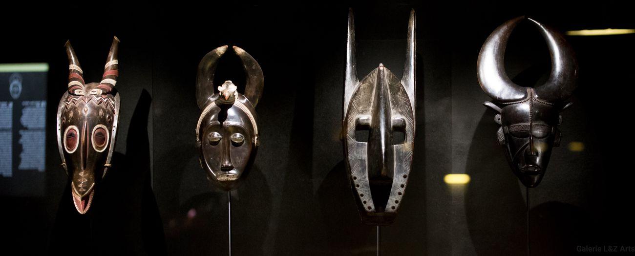 Maschere della collezione africana esposta al Musée du Quai Branly © Galerie Loiseau & Zajega Arts
