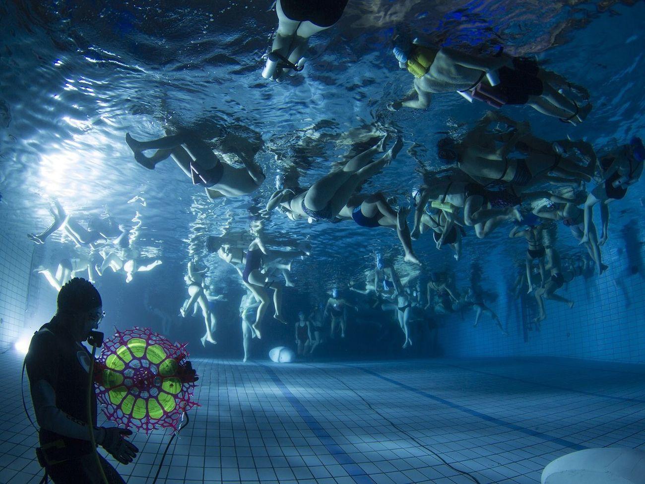 Michel Redolfi durante un Concerto subacqueo