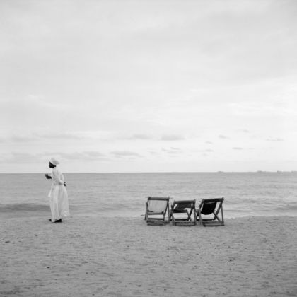 Akinbode Akinbiyi, Bar Beach, Victoria Island, Lagos, 2006. From the series Sea Never Dry. Courtesy the artist