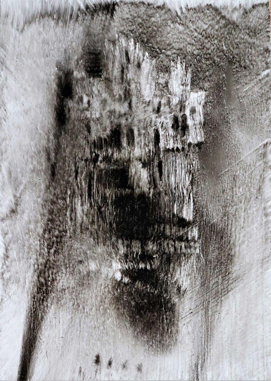 Andrea Chidichimo, senza titolo, fuliggine su lastra, 14x10 cm