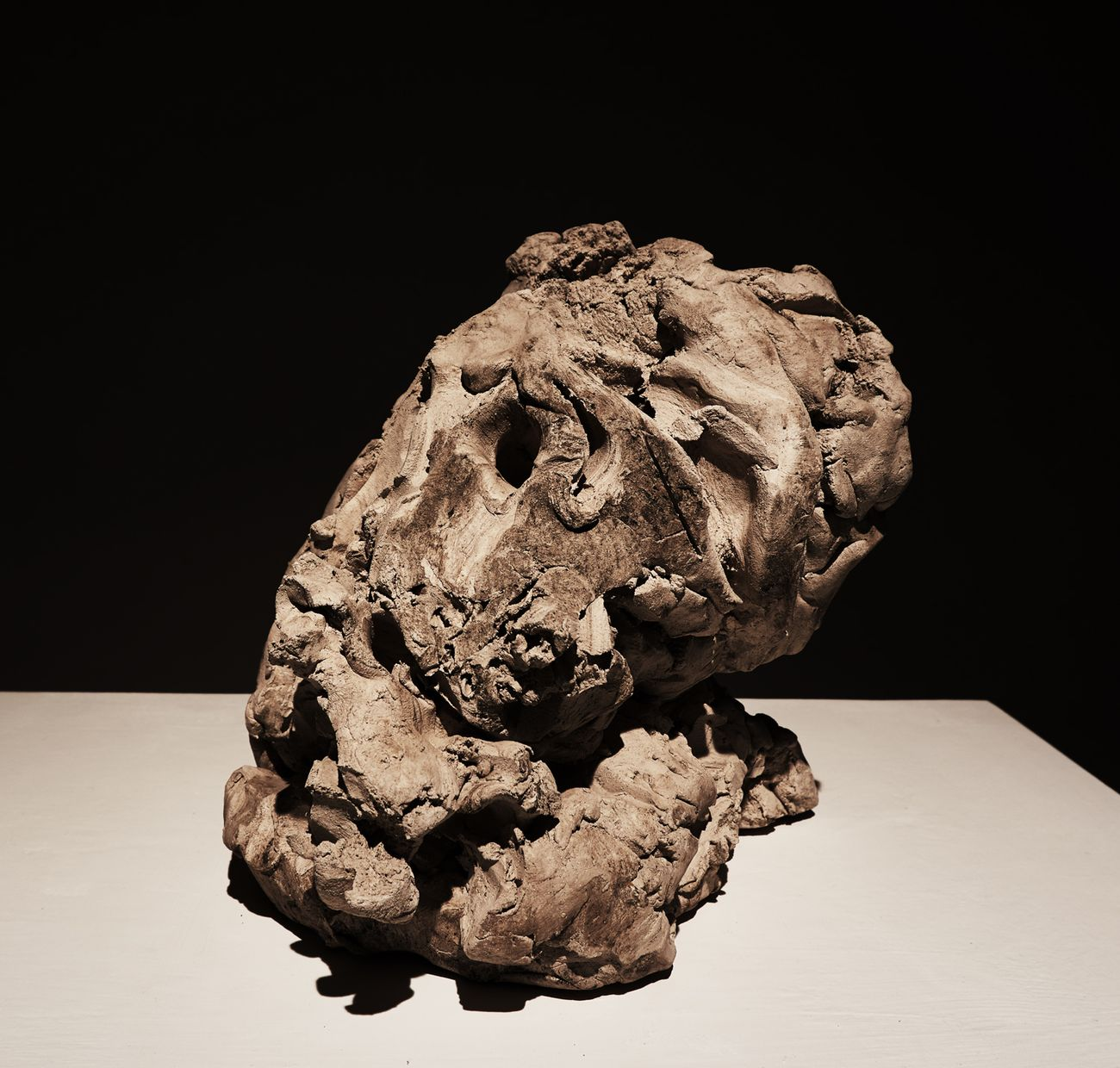 Emanuele Becheri, Testa, 2017, terracotta. Courtesy Galleria Nazionale, Roma