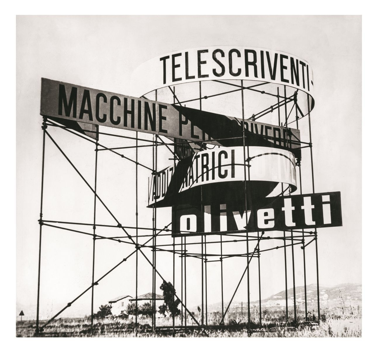 Giovanni Pintori, Costruzione stradale, 1950, foto b n, 41x37 cm, Nuoro, Collezione MAN