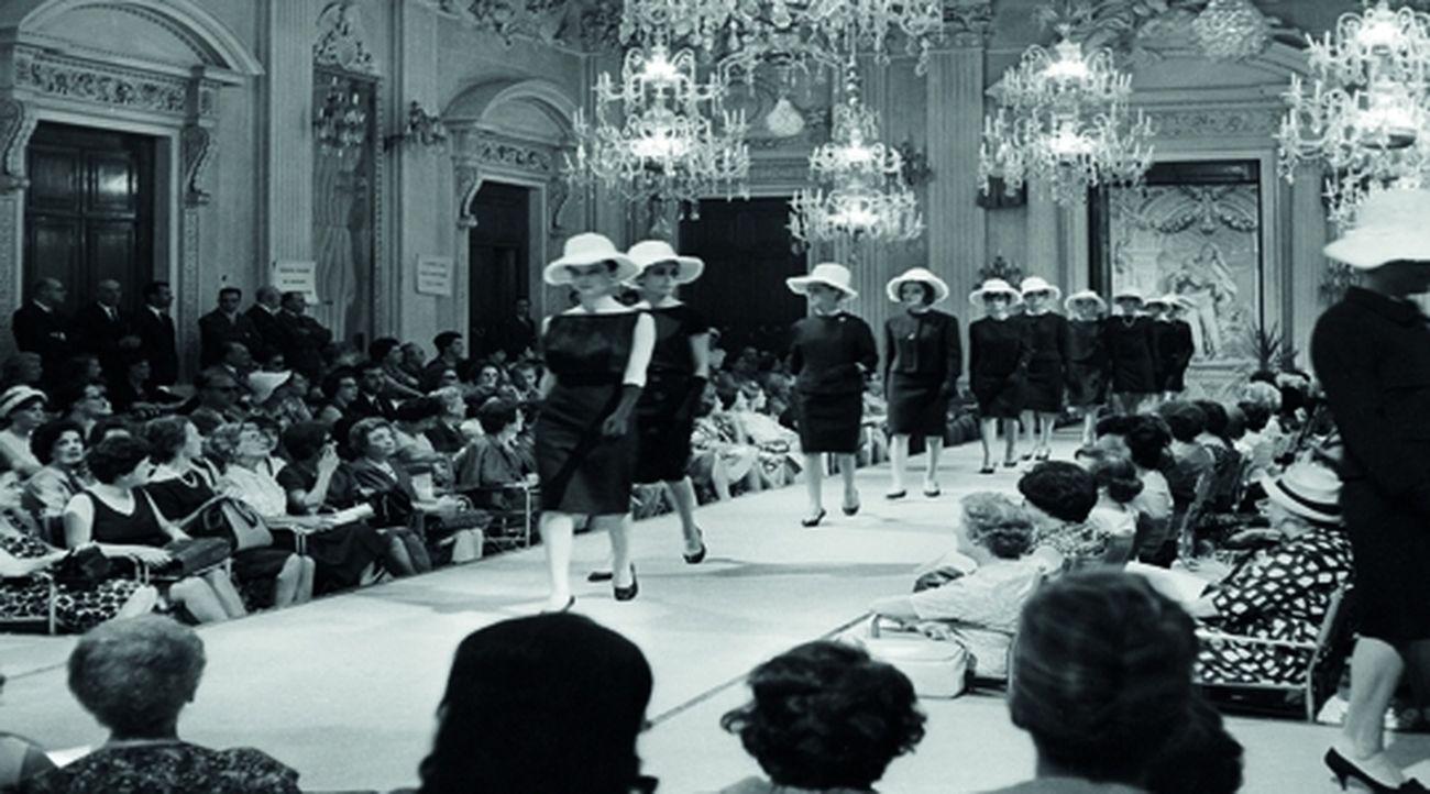 Sfilata nella Sala Bianca di Palazzo Pitti, 1952