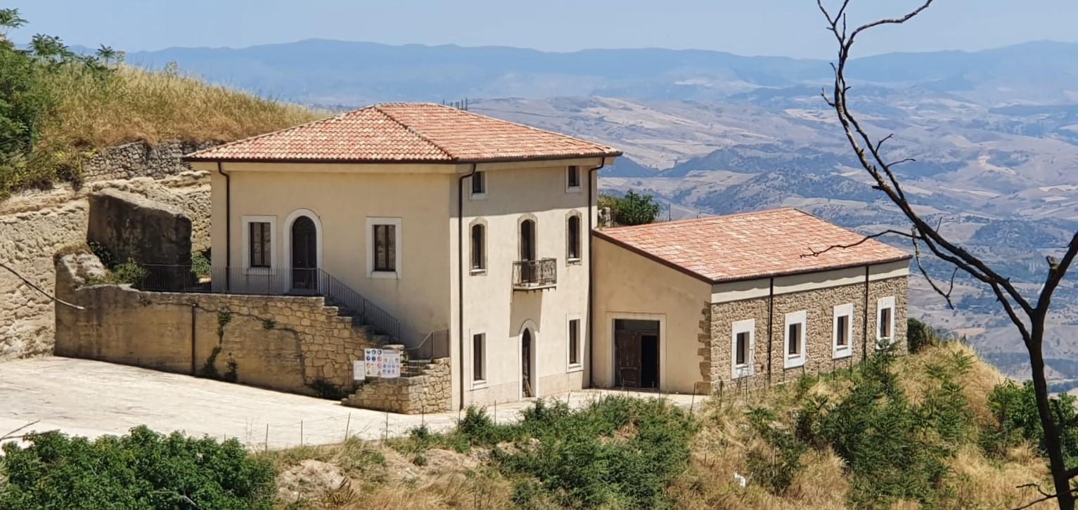 Enna, i Capannicoli, sede del Museo del Mito