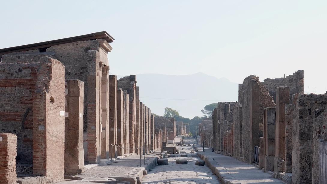 Vue de la Via della Fortuna Pompéi © GEDEON Programmes