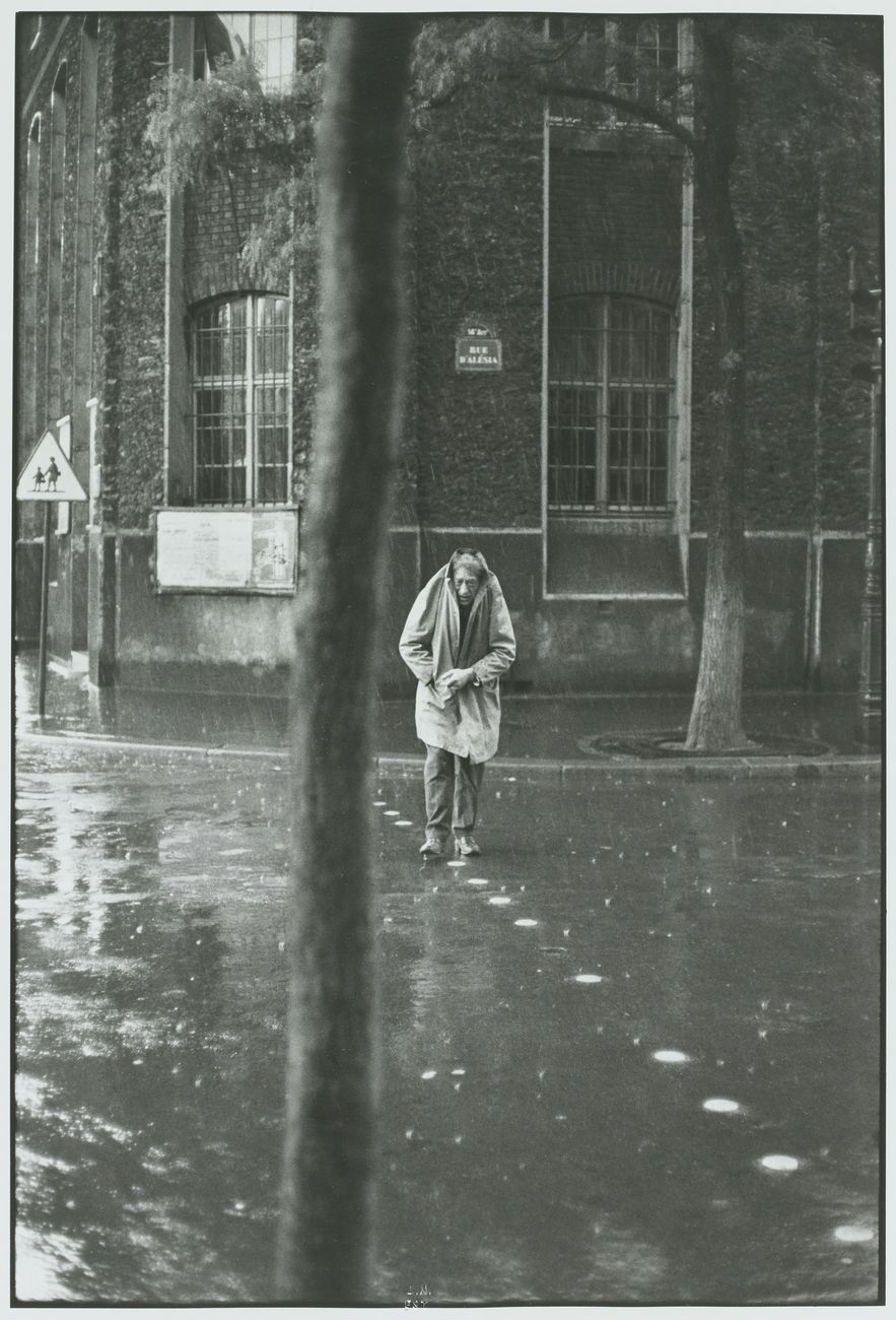 Henri Cartier-Bresson Alberto Giacometti, Rue d'Alésia, Paris, France, 1961, épreuve gélatino-argentique de 1973 © Fondation Henri Cartier-Bresson - Magnum Photos