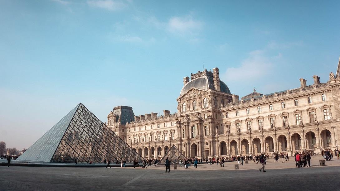 Louvre, Parigi Photo by Yeo Khee