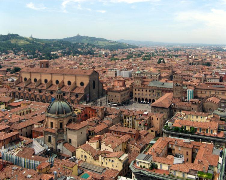 Bologna San Petronio Piazza Maggiore, ph Steffen Brinkmann, fonte Wikipedia