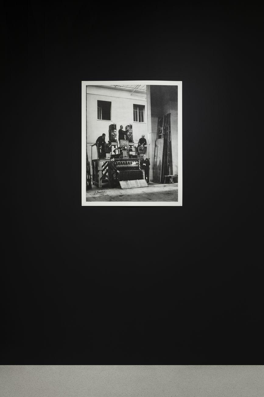 J. Demontrond, Eugène Frey et la machinerie des Décors lumineux, s.d.. Collection NMNM. Photo Andrea Rossetti, 2020