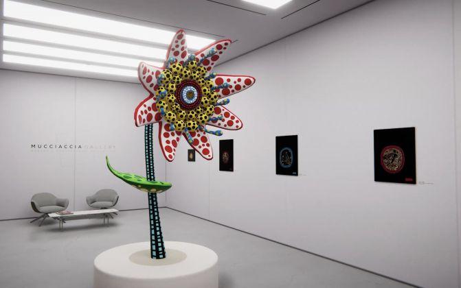 La mostra di Yayoi Kusama in 3D per Mucciaccia Gallery