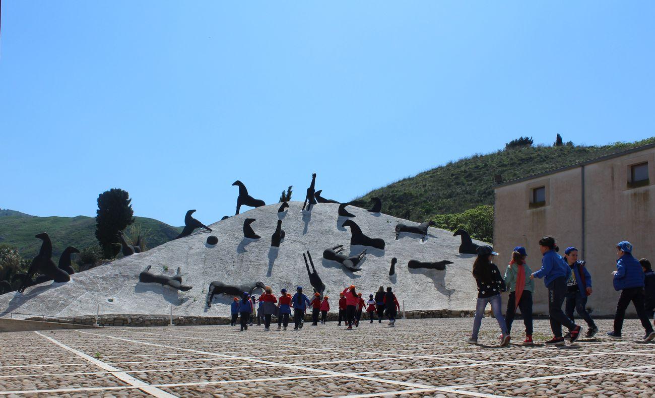 Mimmo Paladino, la Montagna di sale al Baglio Di Stefano, foto archivio Fondazione Orestiadi