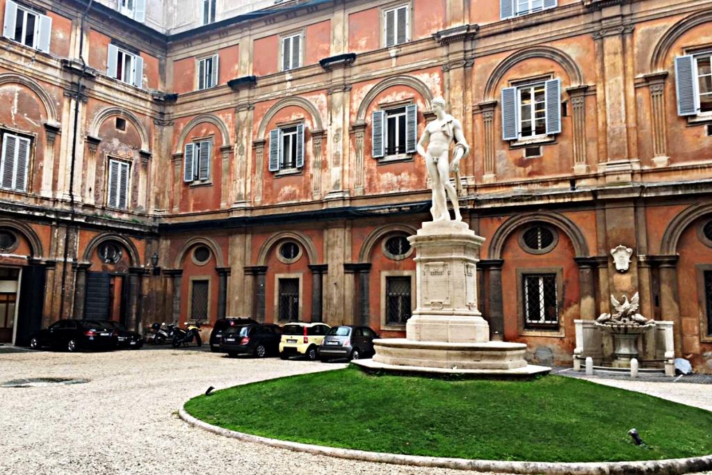 Palazzo Odescalchi, Roma, cortile interno