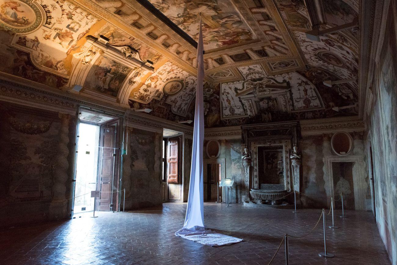 Petra Feriancová, Fabulae, installation view at Villa D'Este e Santuario di Ercole Vincitore, Tivoli 2020, photo Annamaria La Mastra