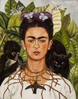 Frida Kahlo Selfportrait with thorn necklace and hummingbird, 1940 Oil on canvas mounted to board Collection of Harry Ransom Center, The University of Texas at Austin, Nickolas Muray Collection of Modern Mexican Art © Banco de México Diego Rivera Frida Kahlo Museum Trust / VISDA 2020