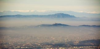 Barcelona with pollution. Photo © Jon Tugores