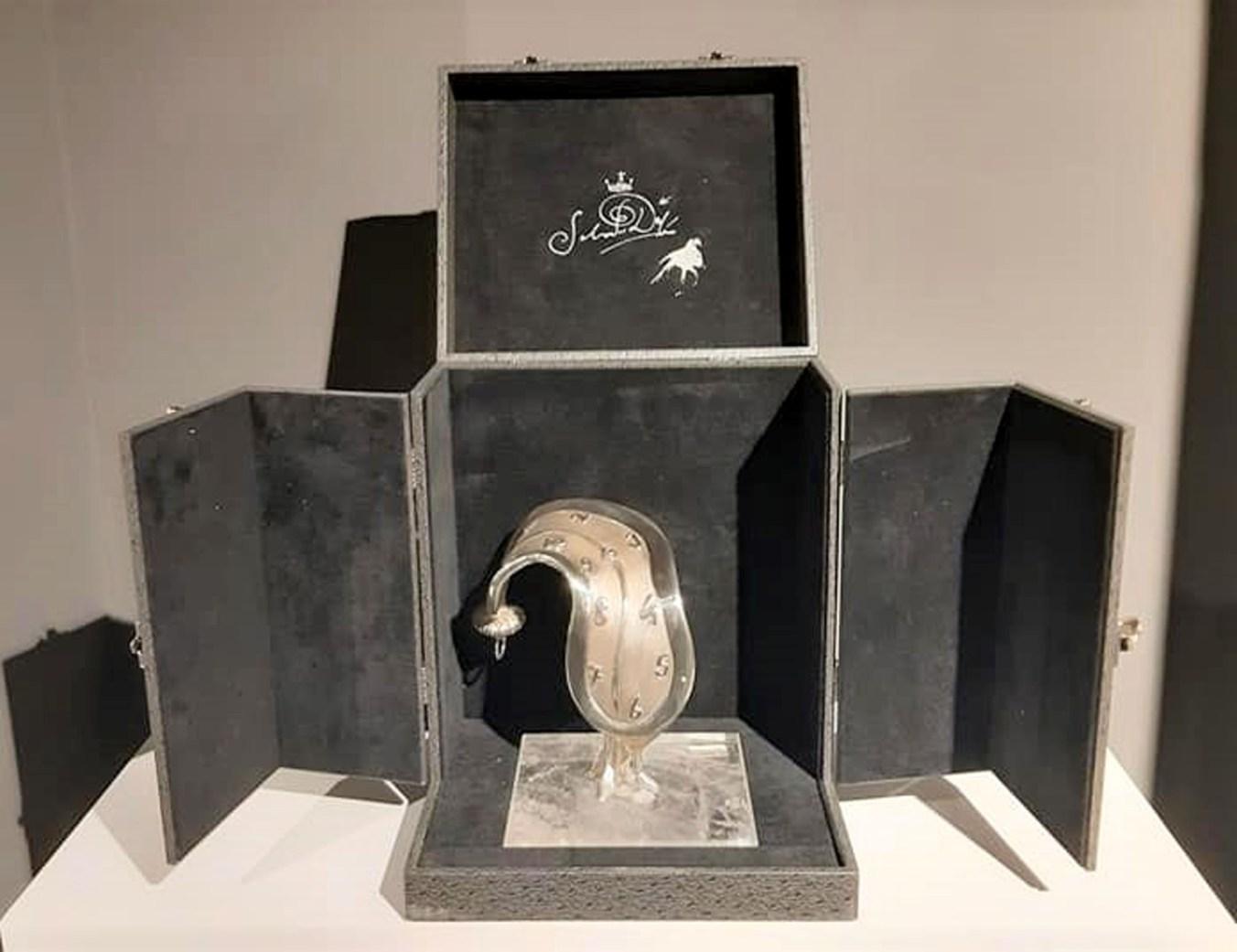 Le sculture di Dalì vendute dall'organizzazione di Beniamino Levi