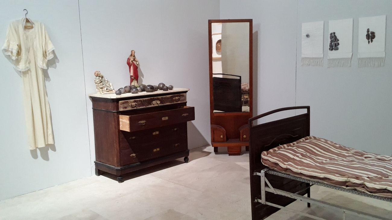 Maria Jole Serreli. A casa mia avevo tre sedie. Installation view at Exmà, Cagliari 2020