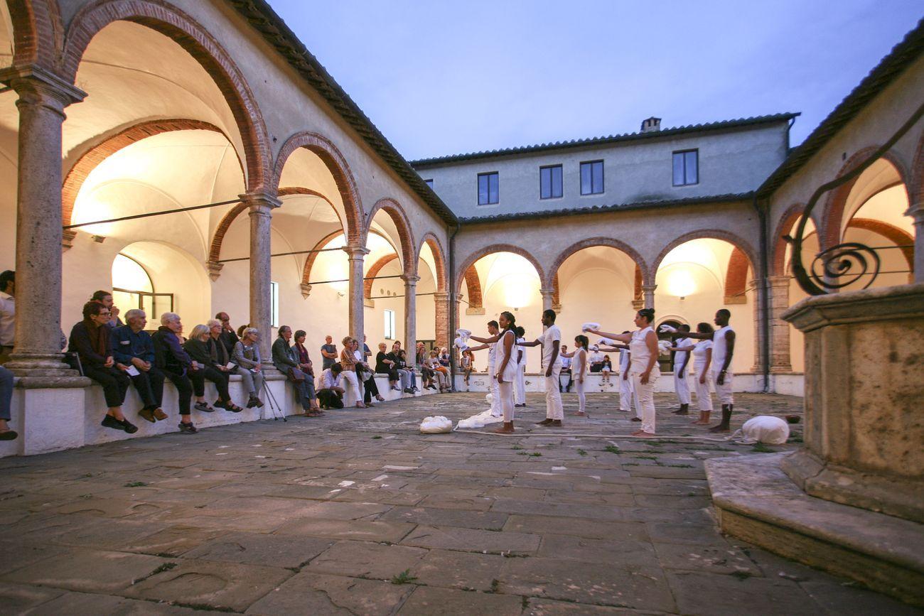 Ocra Montalcino, Chiostro. Fermenti in Scena