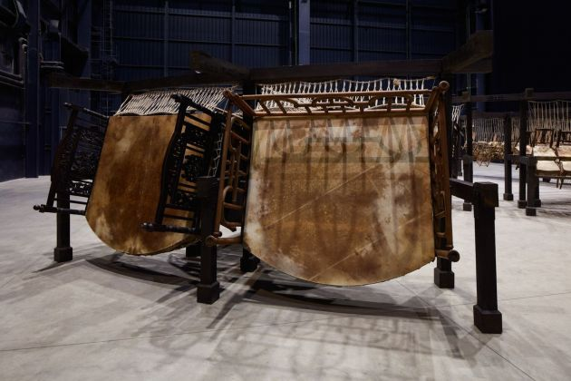 Chen Zhen, Jue Chang, Dancing Body – Drumming Mind (The Last Song), 2000, particolare. Installation view at Pirelli HangarBicocca, Milano 2020. Pinault Collection © ADAGP, Paris. Courtesy Pirelli HangarBicocca. Photo Agostino Osio