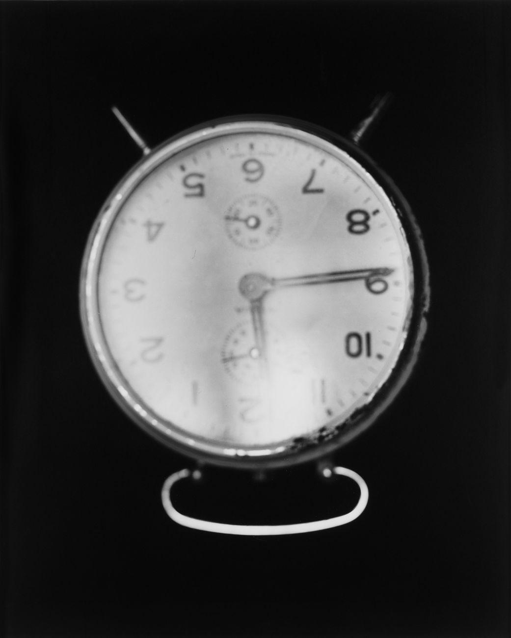 Franco Vimercati, Untitled (Sveglia), 1997. Courtesy Archivio Franco Vimercati, Milano e Galleria Raffaella Cortese, Milano © Eredi Franco Vimercati