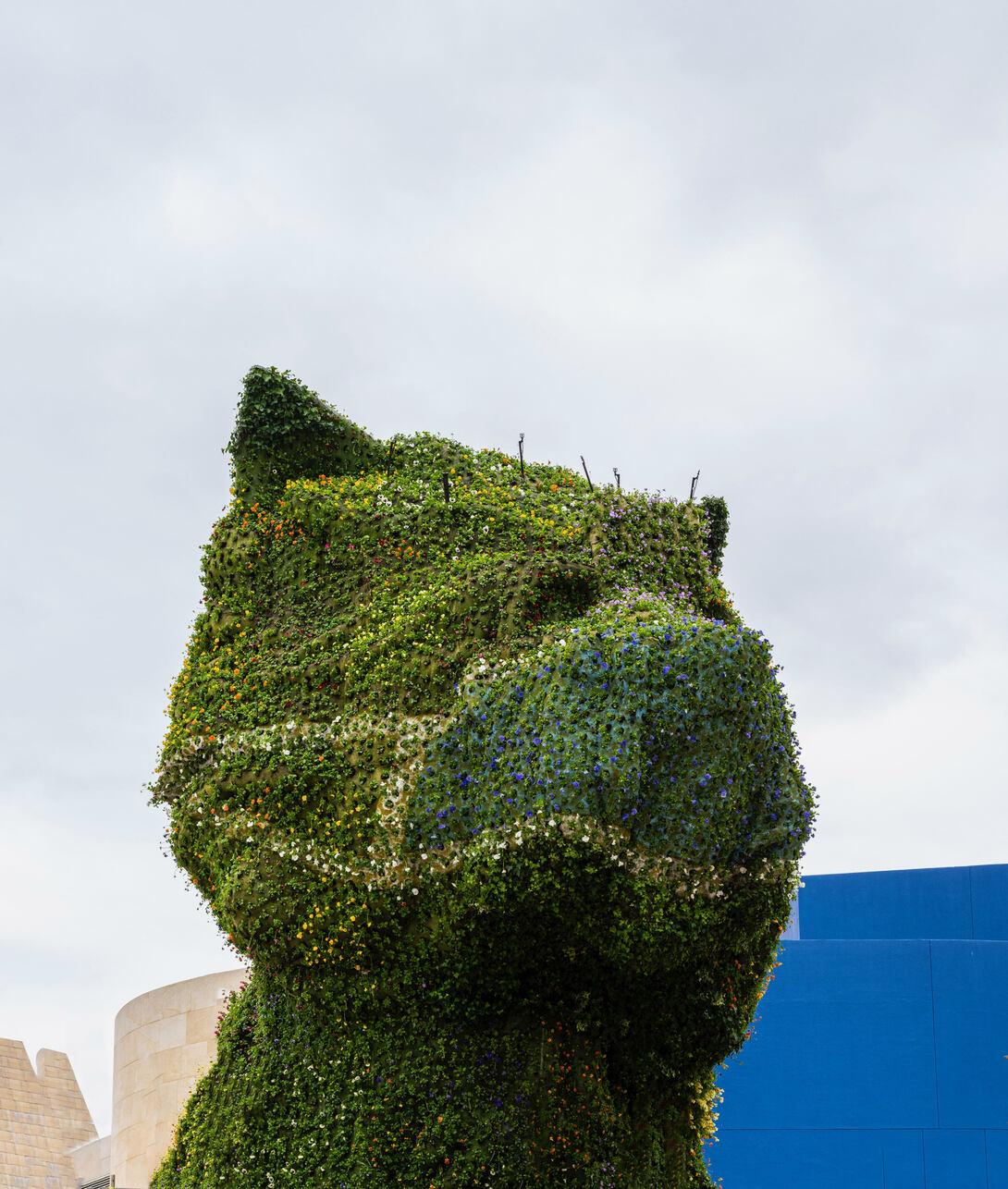 Jeff Koons, Puppy (con la mascherina), Guggenheim museum, Bilbao