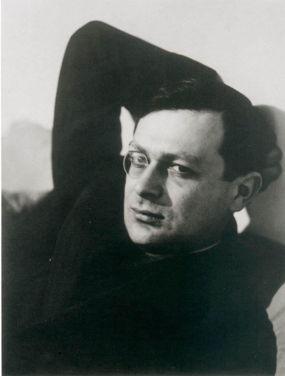 Man Ray, Tristan Tzara, 1934