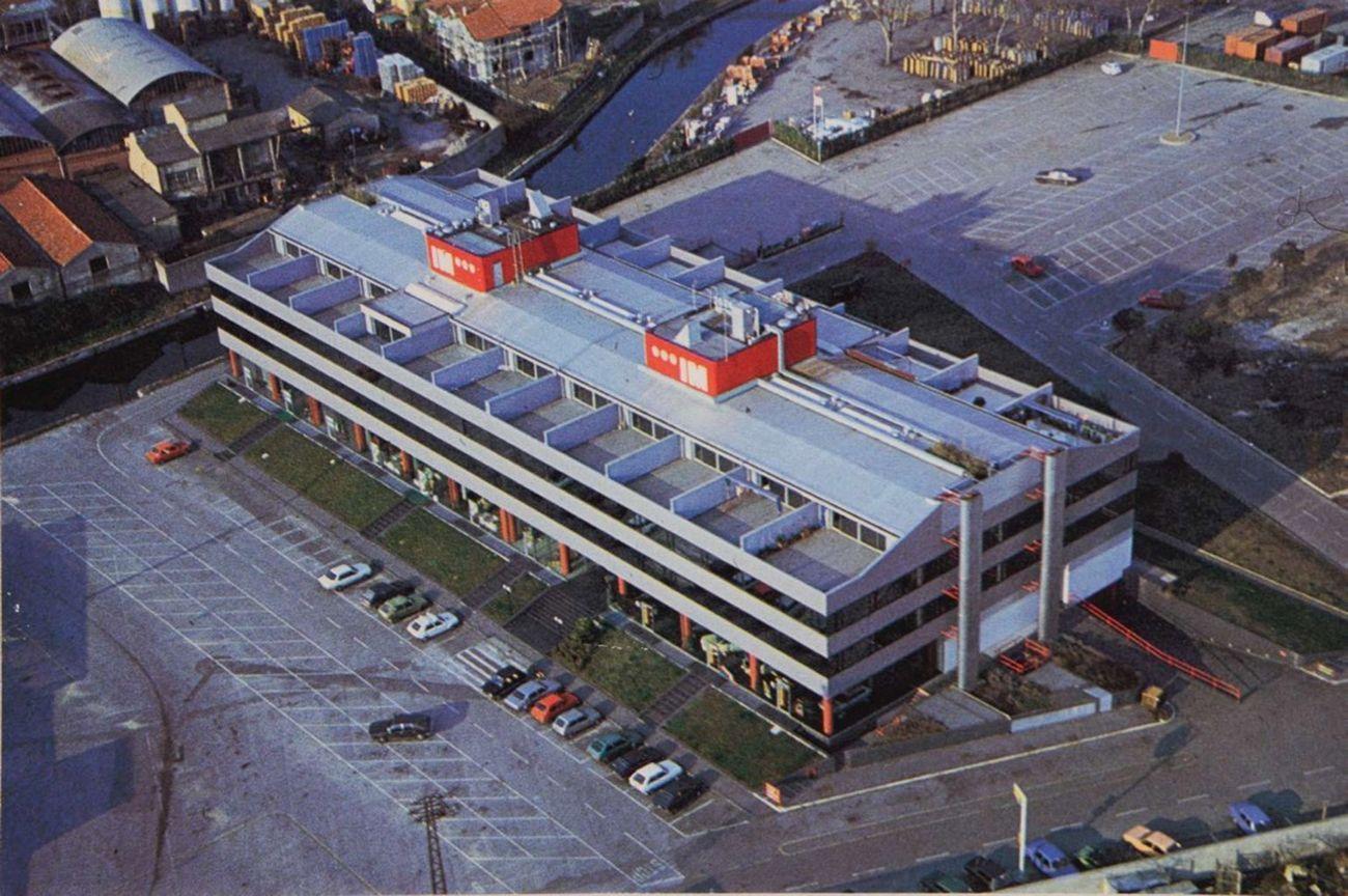 Paolo Riani, Italmaco I, Viareggio, 1981. Vista dall'alto che evidenzia la struttura in cemento armato e pannelli prefabbricati. Photo Paolo Riani