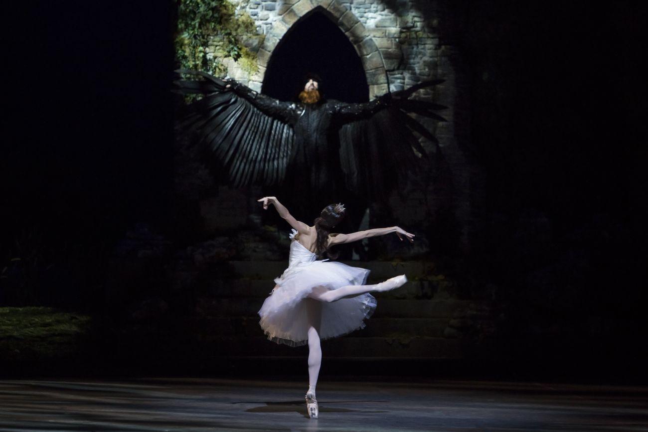 Vittoria Valerio nel Lago dei Cigni. Teatro alla Scala, Milano. Photo Federica Capo