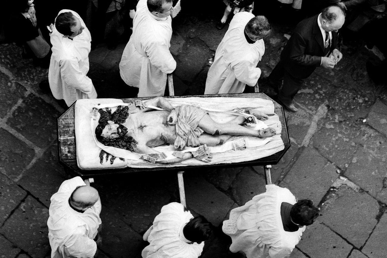 Enrico Scuro, Sacra Rappresentazione del Venerdì Santo. Barile (PZ), aprile 1976