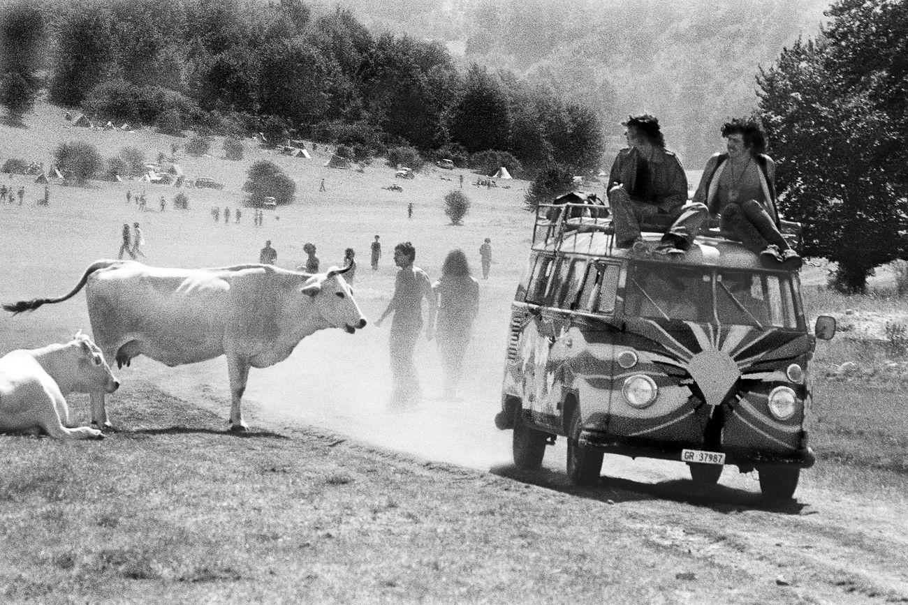 Enrico Scuro, Uomini & animali (raduno giovanile nel Parco nazionale d'Abruzzo). Villavallelonga (AQ), luglio 1977