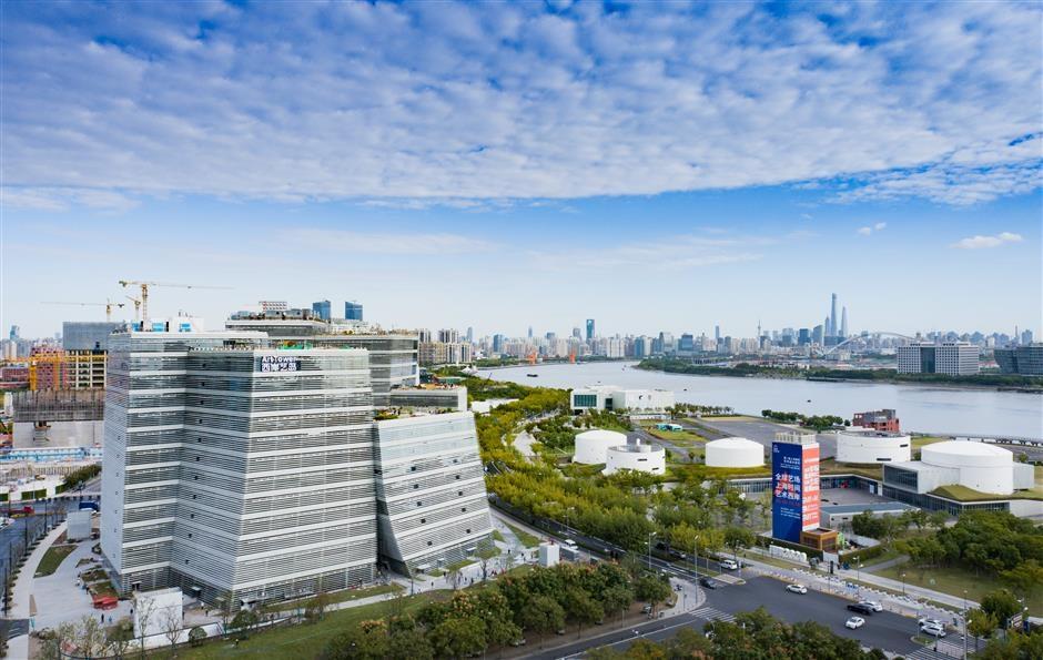 La Art Tower sulla sponda dello Huangpu