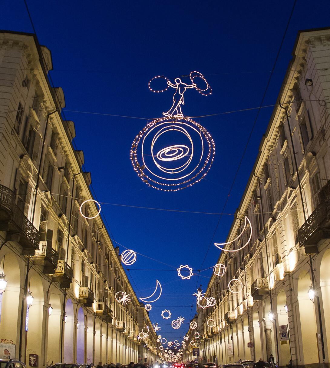 Torino, LUCI D'ARTISTA 2013-14, nella foto: Palomar, Giulio Paolini, via Po