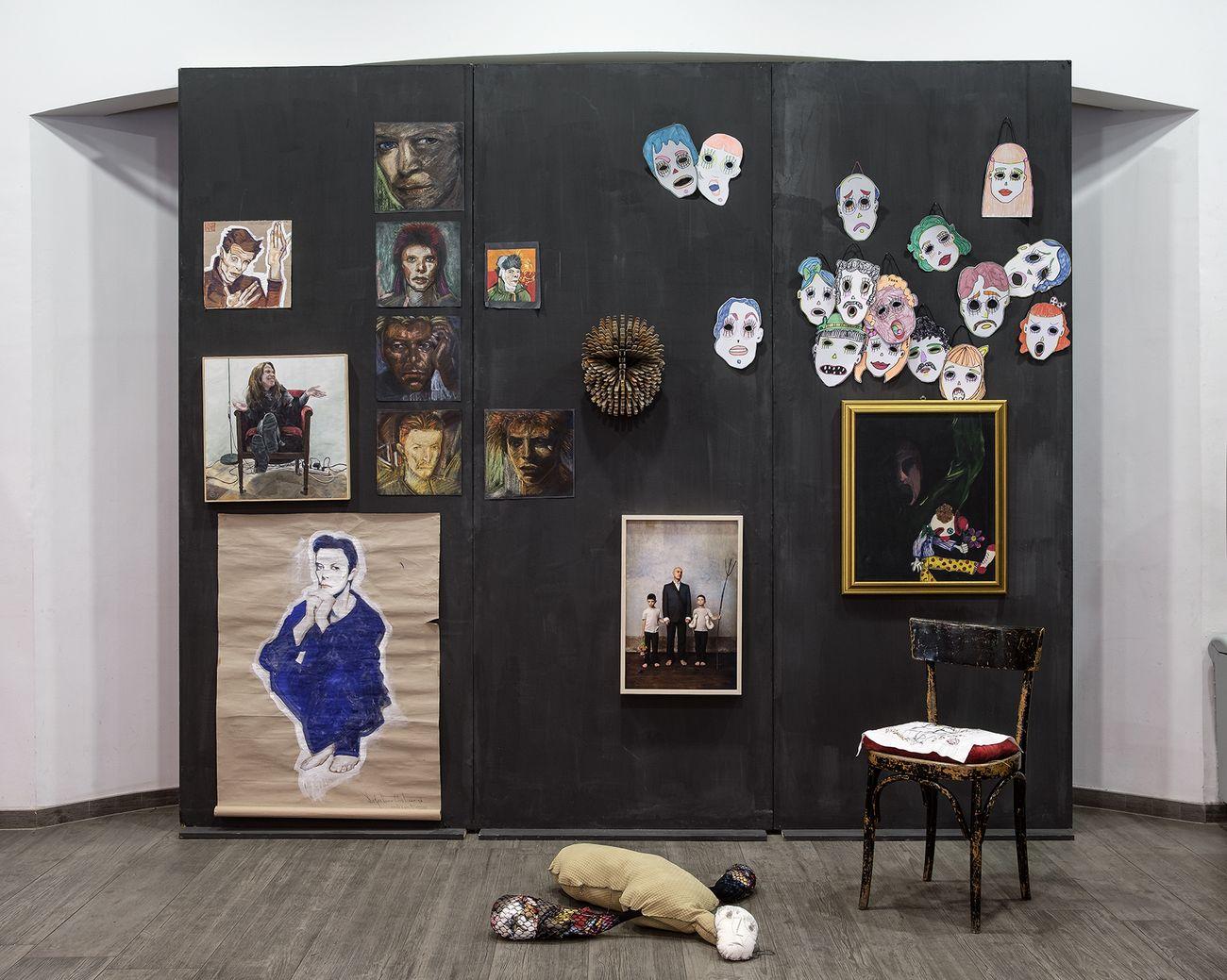 Z/000 Generation. Artisti pugliesi 2000/2020, installation view at Teatro Polifunzionale Anche Cinema, Bari 2020. Photo © Marino Colucci